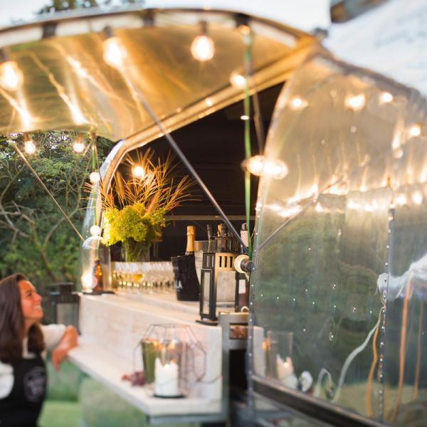 Airstream Sovereign - vintage véhicule Bar / Foodtruck de luxe